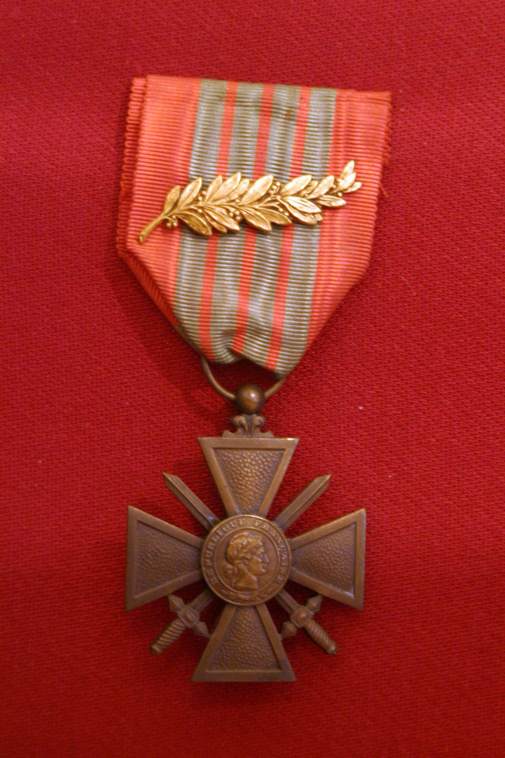 Croix-de-guerre-contraste-IMG_0949.jpg (1615×2421)