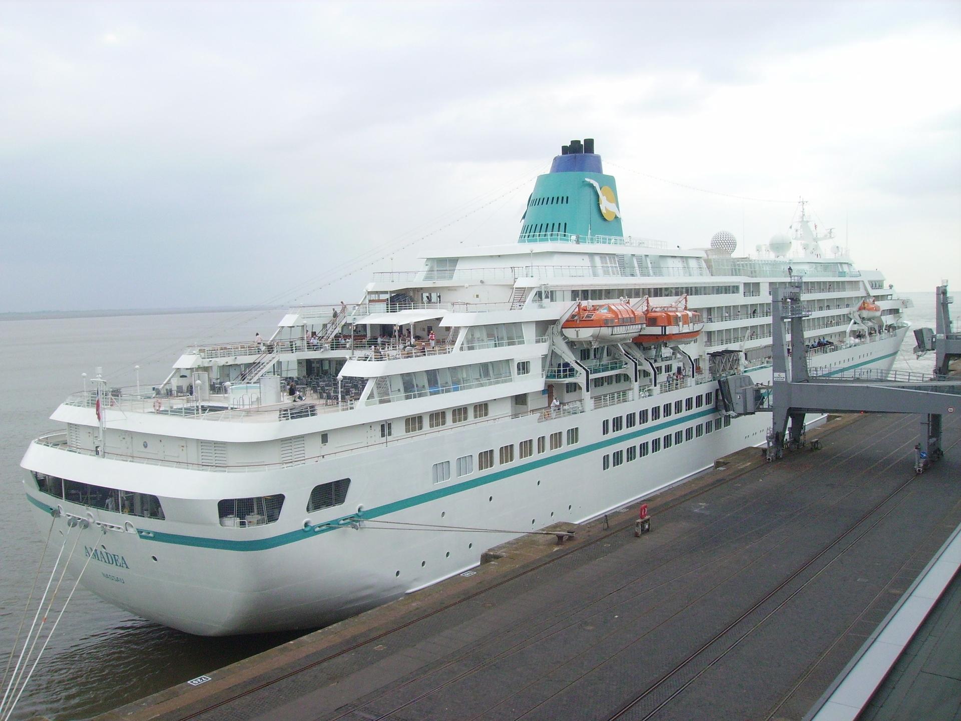 FileCruise Ship Amadeajpg Wikimedia Commons - Cruise ship amadea
