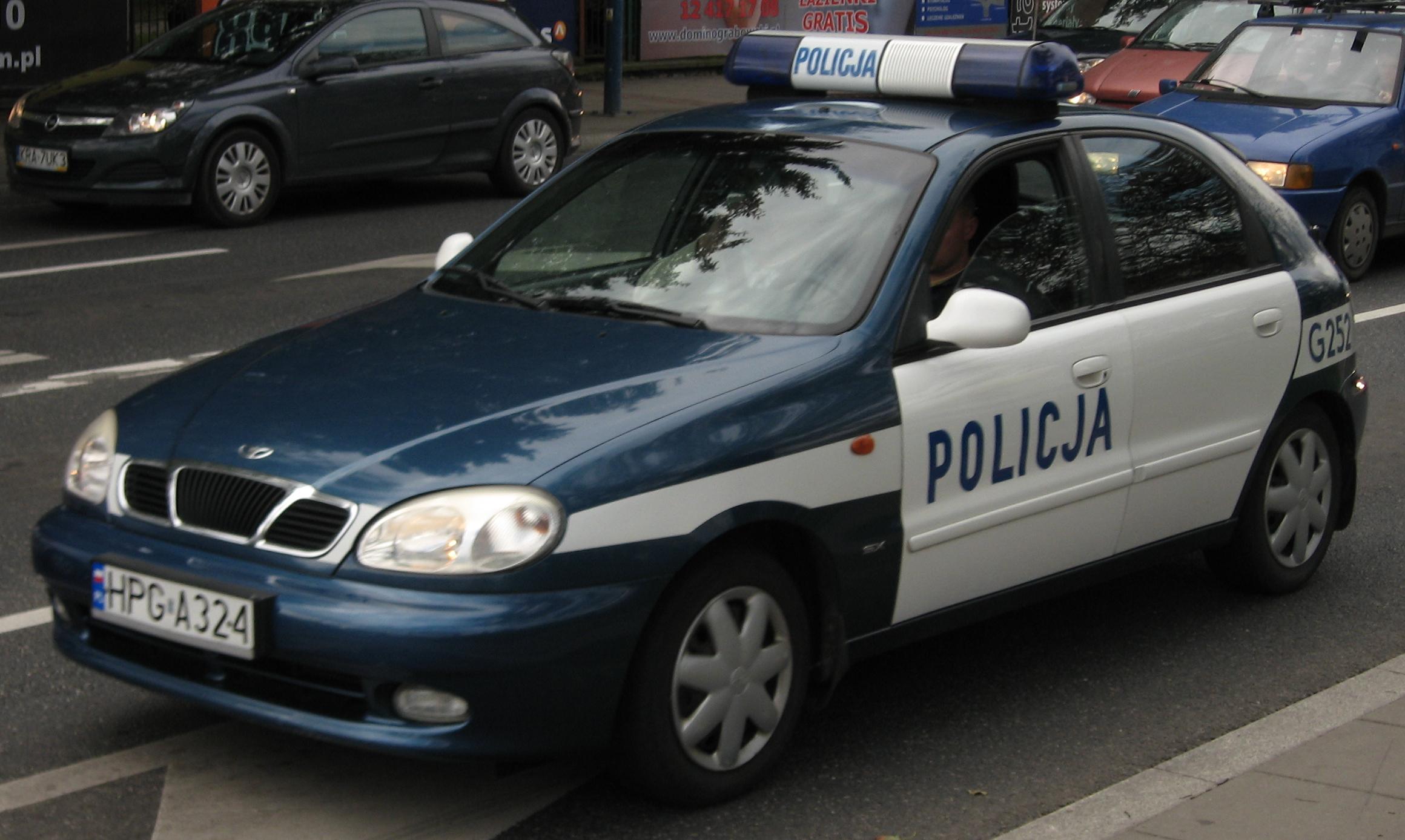 File:Daewoo Lanos police squad car of Policja on Marii Konopnickiej