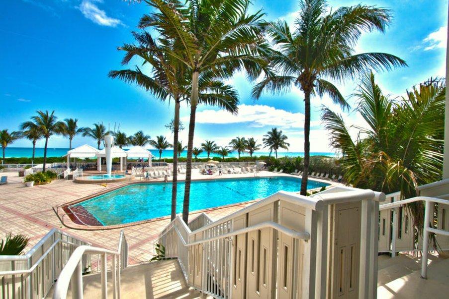 File Deauville Beach Resort 01 Jpg