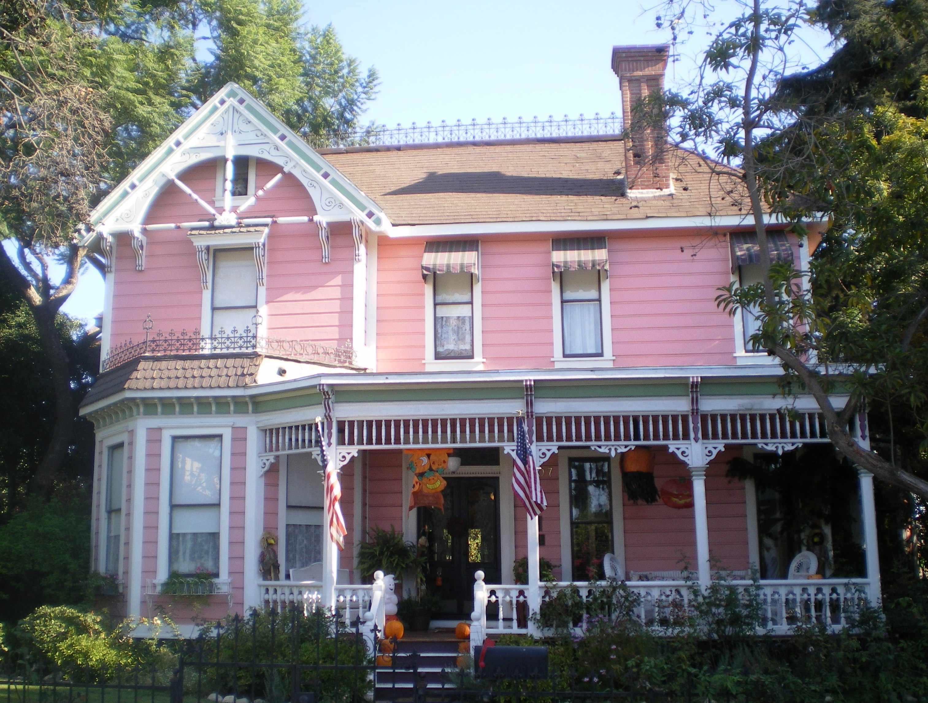 File durfee house los angeles ca jpg wikimedia commons for Build your own house california