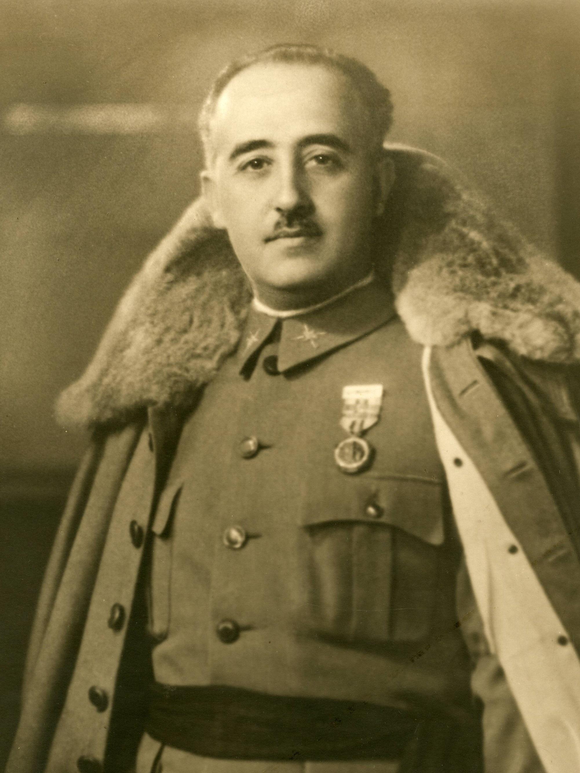 File:Francisco Franco 1930 (cropped).jpg - Wikimedia Commons