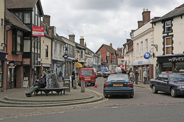 File:Fridays Cross, Ringwood - geograph.org.uk - 174248.jpg