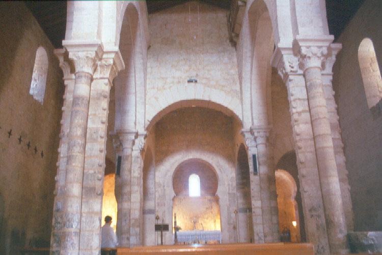 Fundación Joaquín Díaz - Iglesia de Santa María - Wamba (Valladolid) (7).jpg