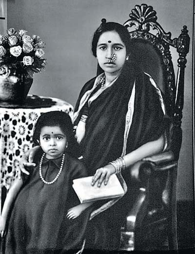 Gangubai Hangal (1913-2009) and daughter Krishna (c. 1929-2004)