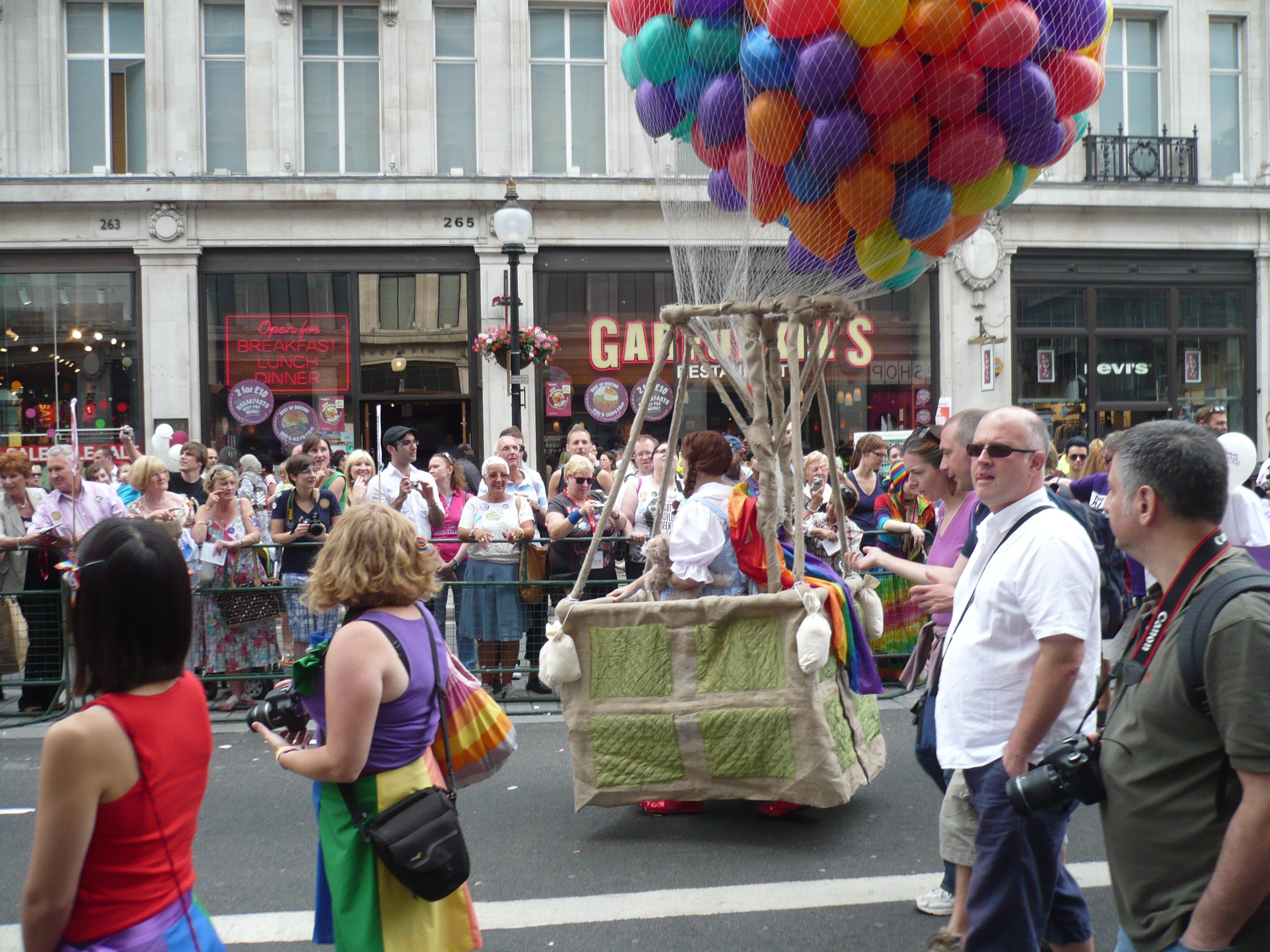 Gay Pride (5898390804).jpg English: gay pride london 2011,London LGBT Pride 2011 Date 2 July 2011, 18:38:04 Source https://www.flickr
