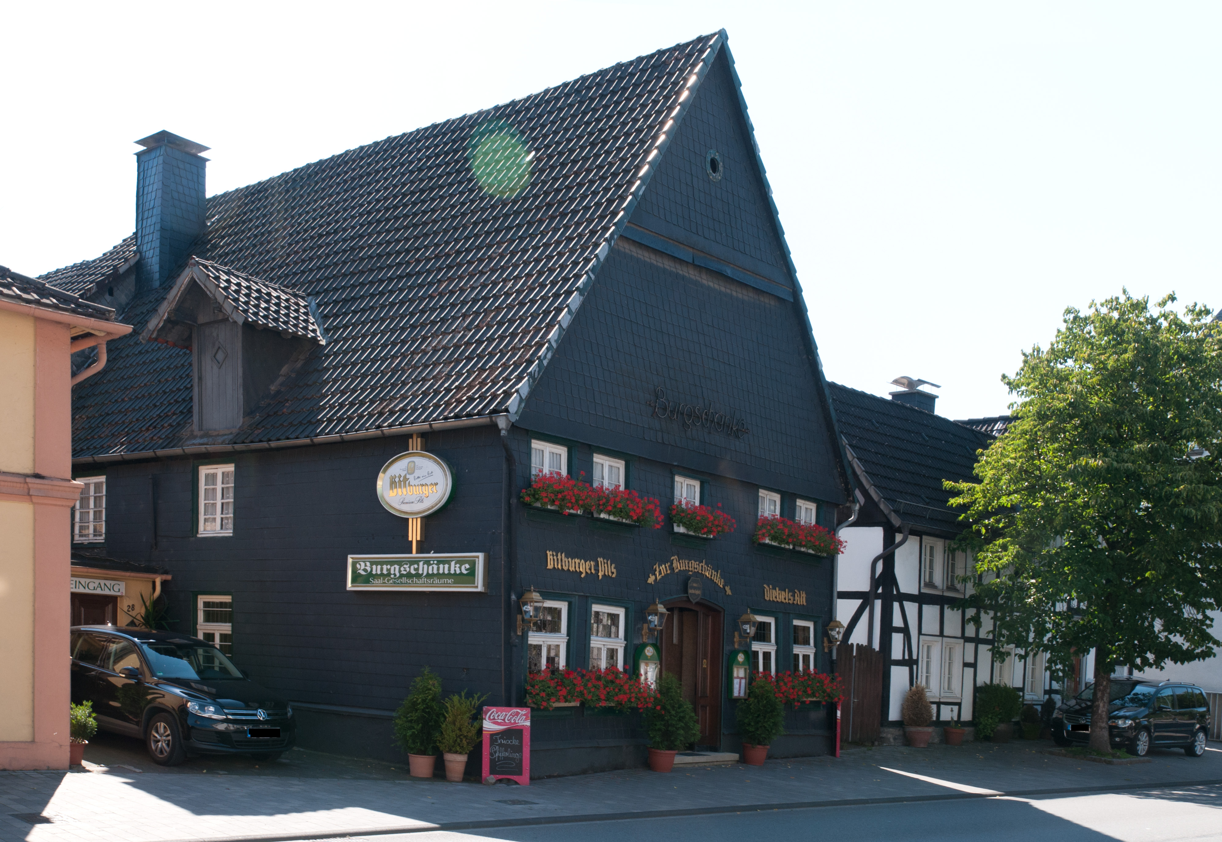 File:Hachen Burgschänke.jpg - Wikimedia Commons