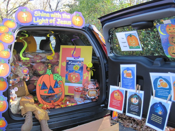 Halloween Trunk-or-Treat.jpg