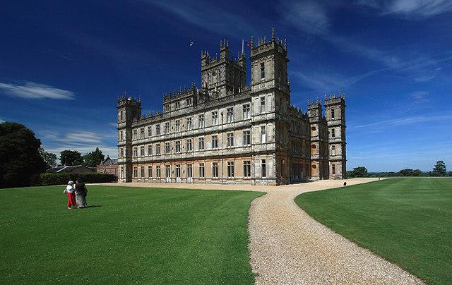 File:Highclere Castle 02.jpg