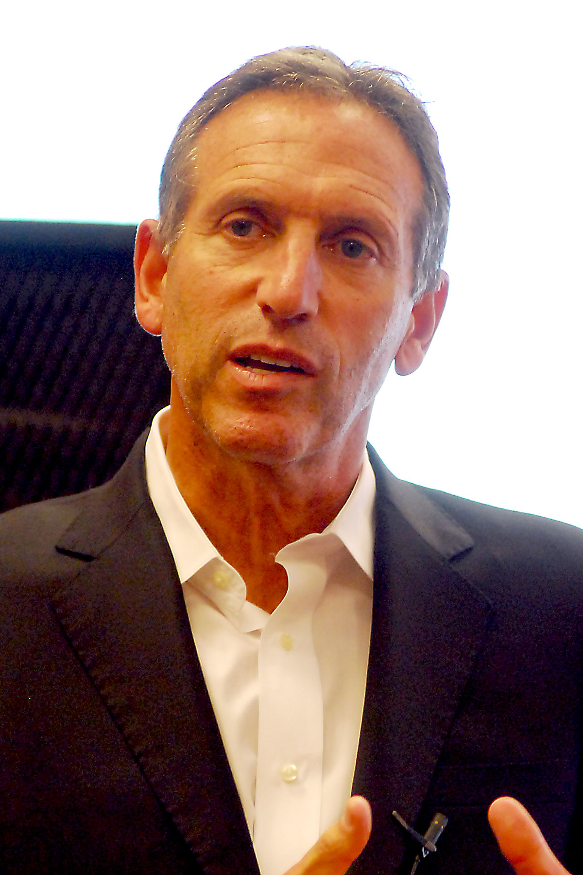 The 65-year old son of father (?) and mother(?) Howard Schultz in 2018 photo. Howard Schultz earned a  million dollar salary - leaving the net worth at 2500 million in 2018