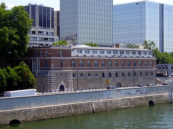 Institut Médico Légal de PARIS - 01/04/2011 Institut_m%C3%A9dico-l%C3%A9gal_de_Paris_%28c%C3%B4t%C3%A9_Seine%29
