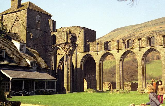 Llanthony Priory - geograph.org.uk - 886739