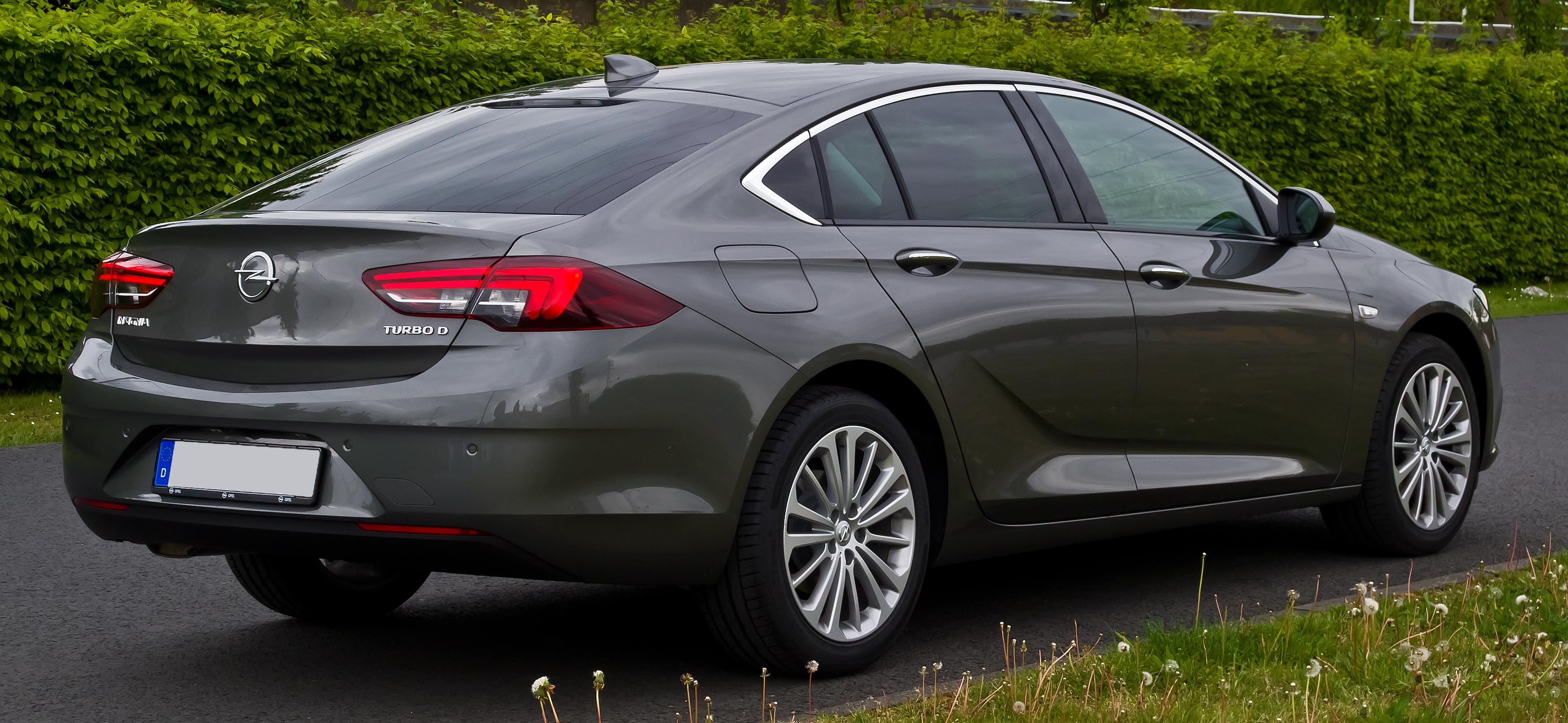 File:Opel Insignia Grand Sport 1.6 Diesel Business Innovation (B) – Heckansicht, 5. Mai 2017 ...