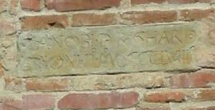 File:Palazzo pretorio, TARGA 1458.jpg
