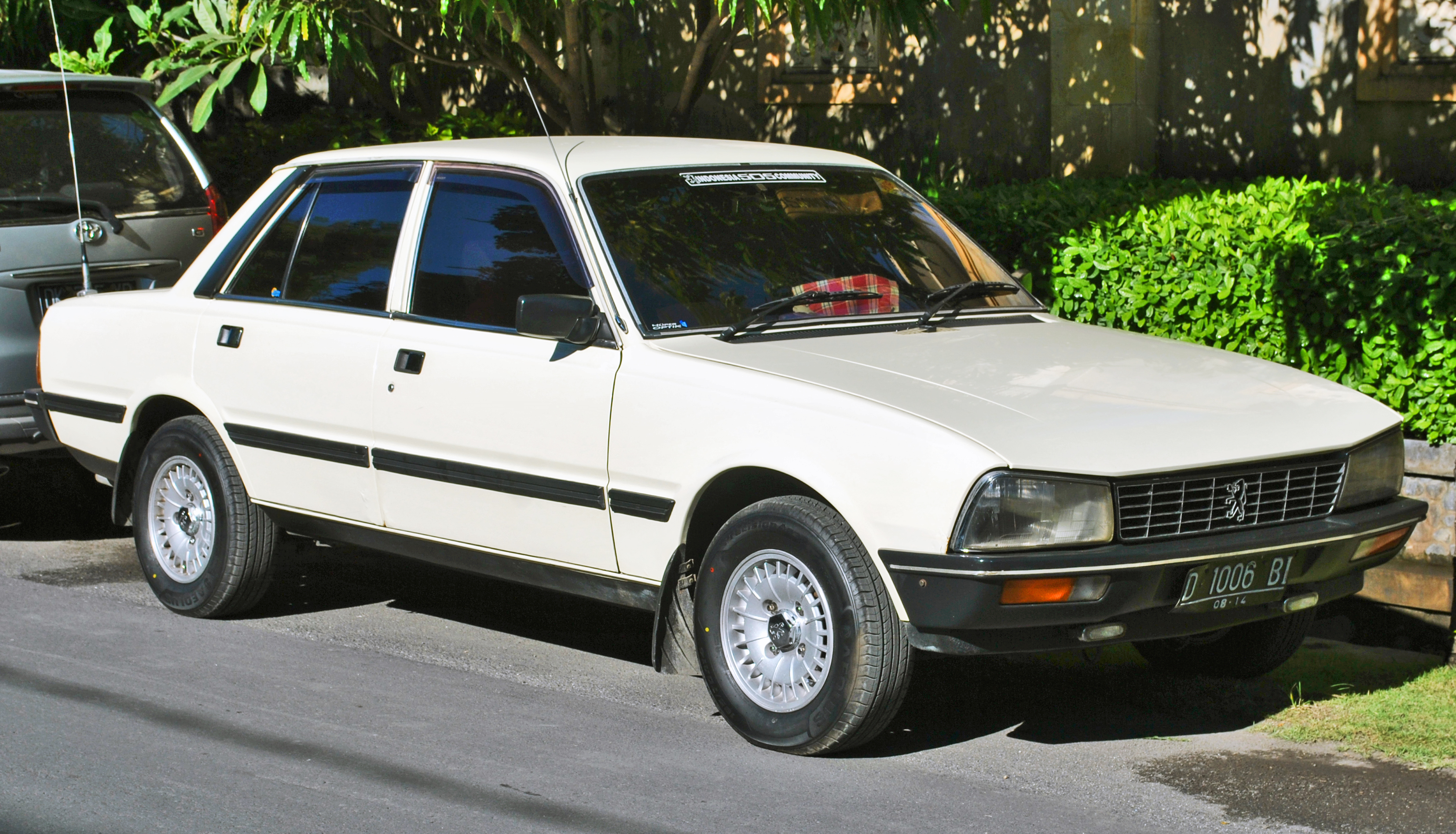 file:peugeot 505 gr front side, denpasar - wikimedia commons