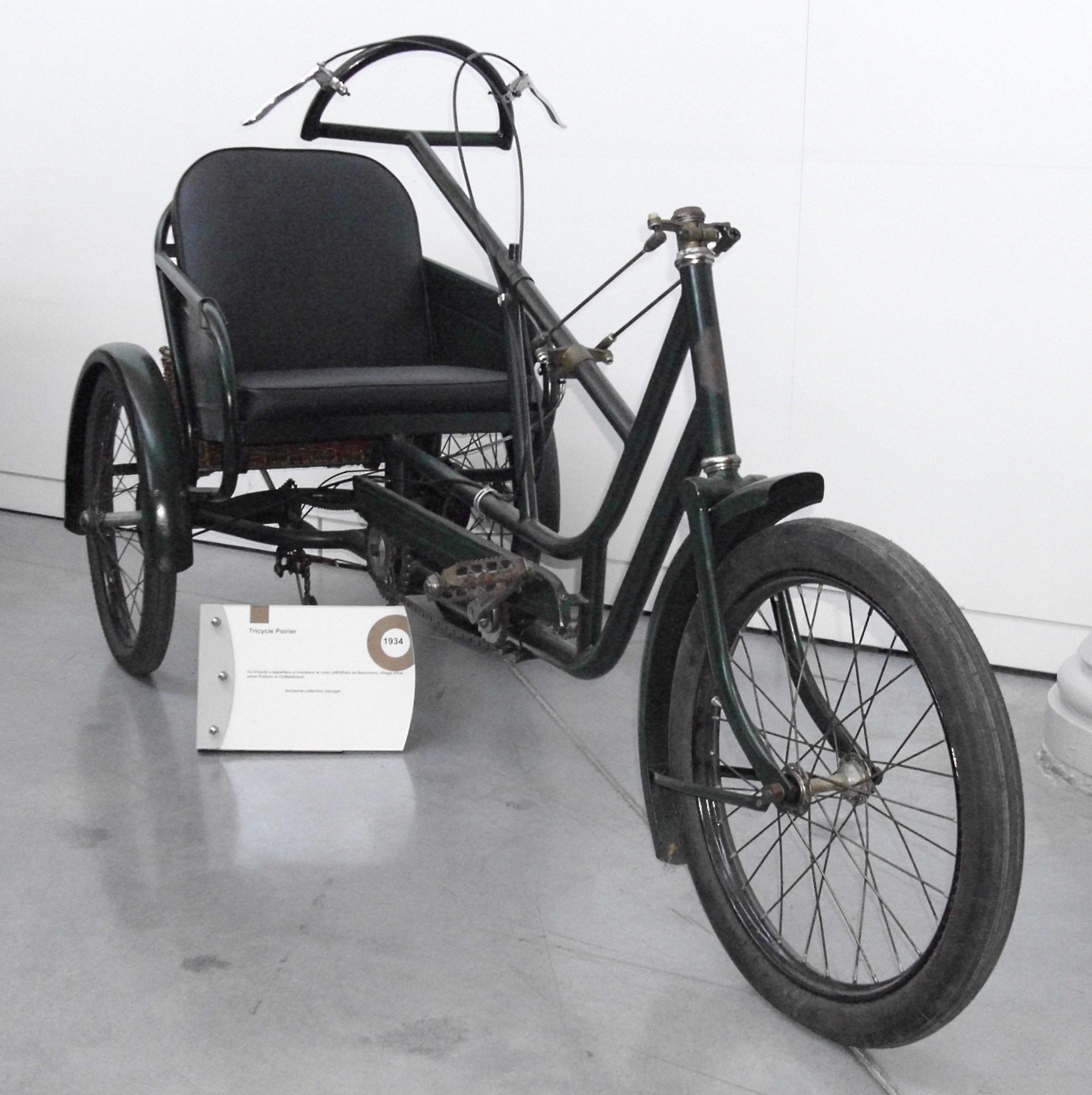 Cherche pièces pour restauration d'un Tricycle Poirier type Tridam Poirier_1934_ohne_Motor