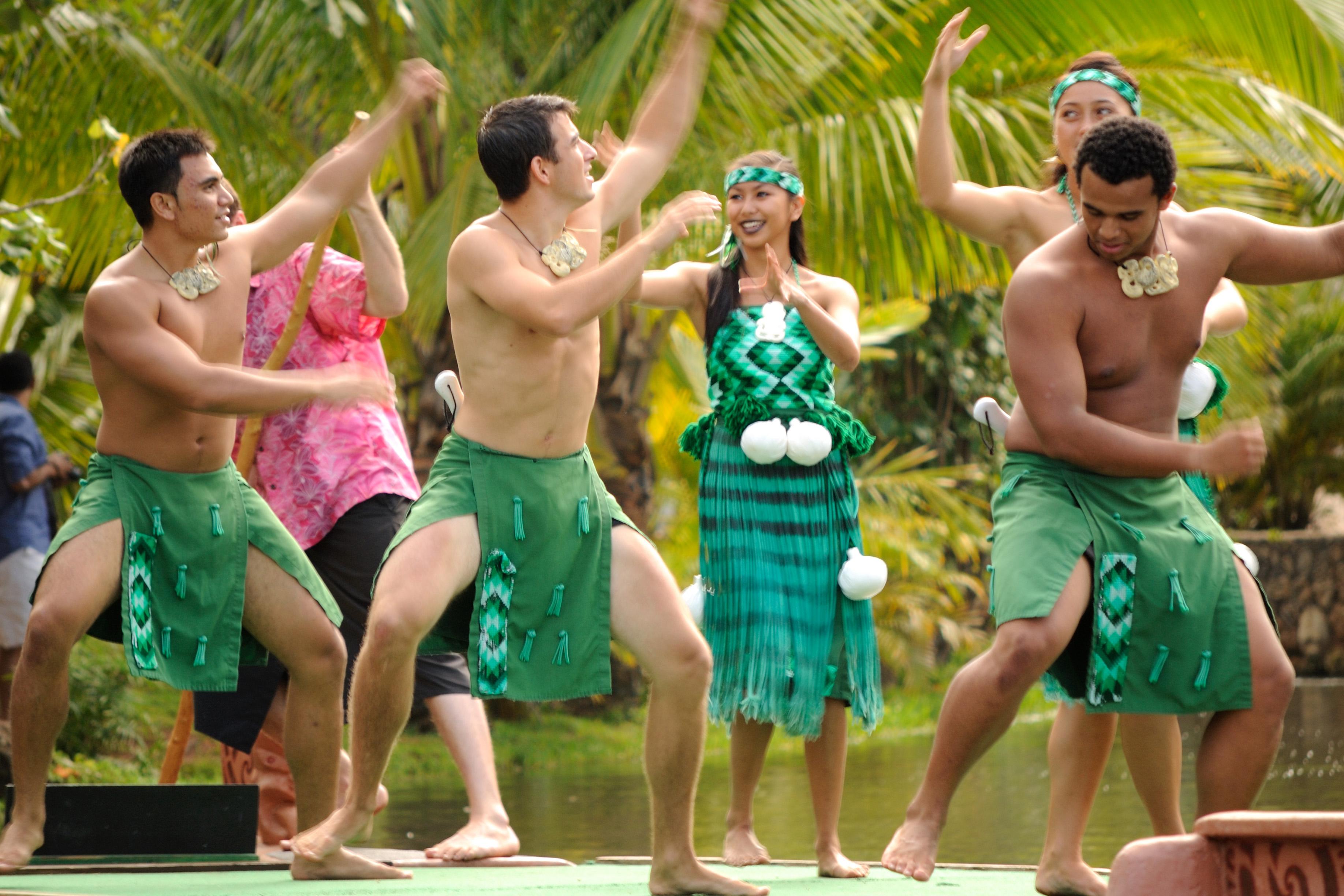 Hawaiian dating customs