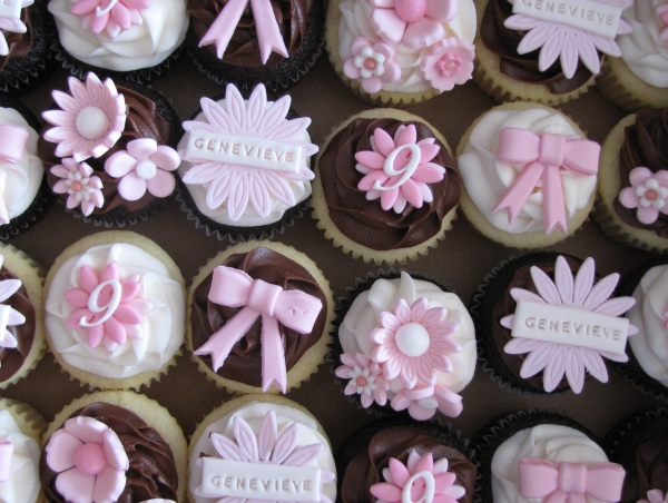 Girly Cupcake Decorating Ideas