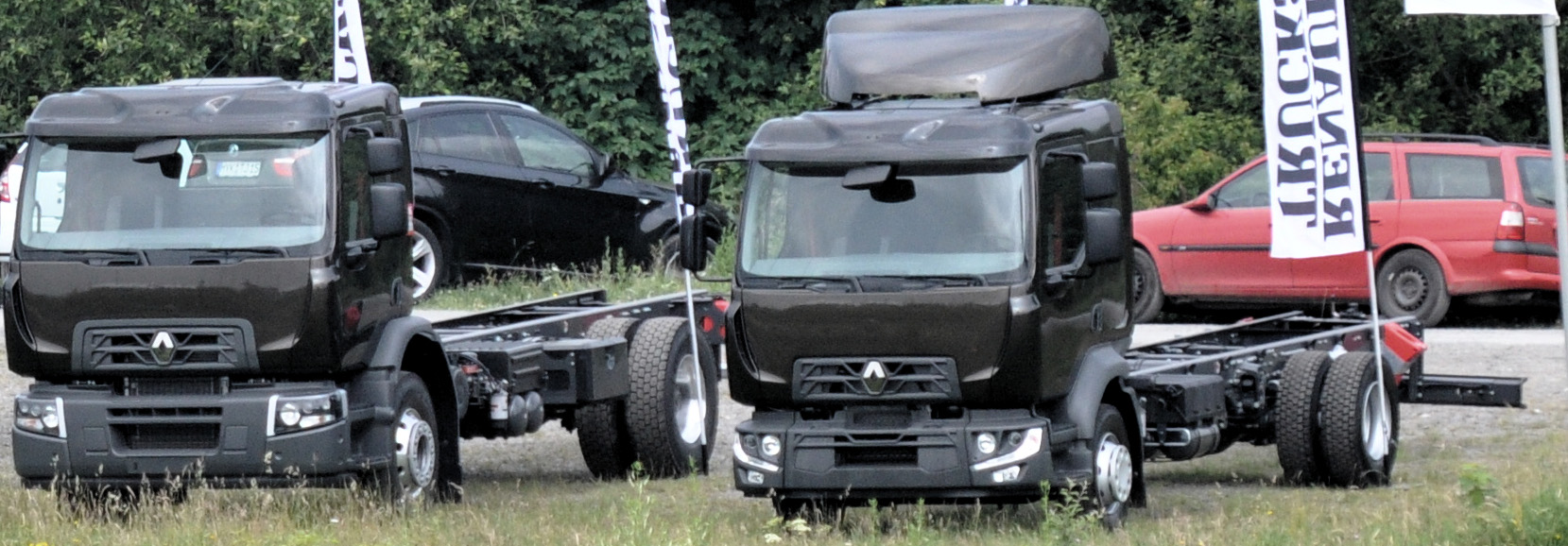 D And D Trailers >> File Renault Trucks D And D Wide Cropped Jpg Wikipedia