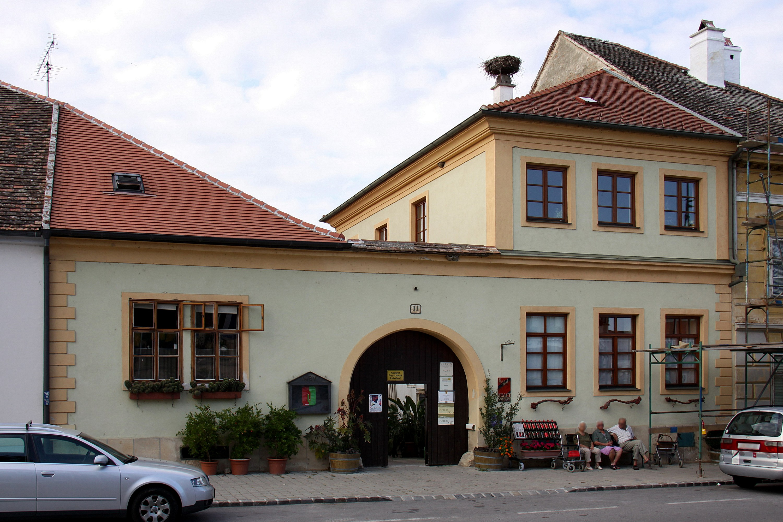 Rust bürgerhaus  File:Rust (Burgenland) - Buergerhaus, Conradplatz 11 (01).jpg ...