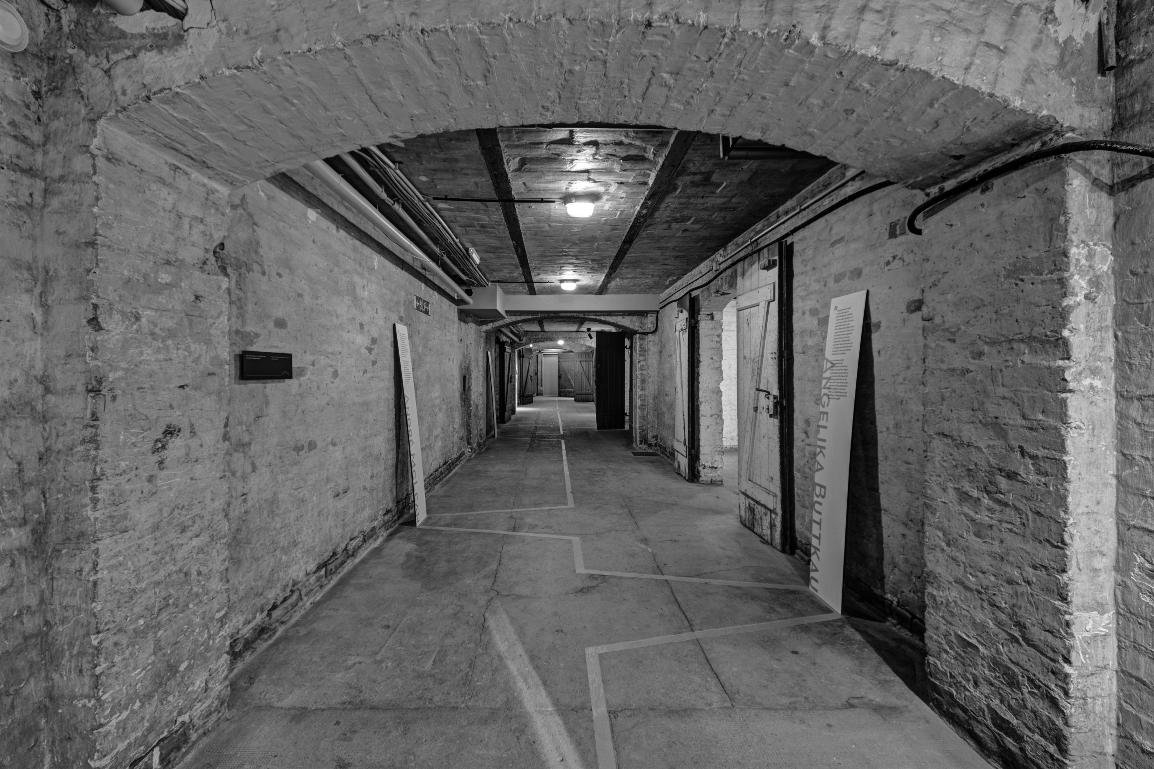 SA Prison Papestrasse 03-15 interior-bw Foto2.jpg
