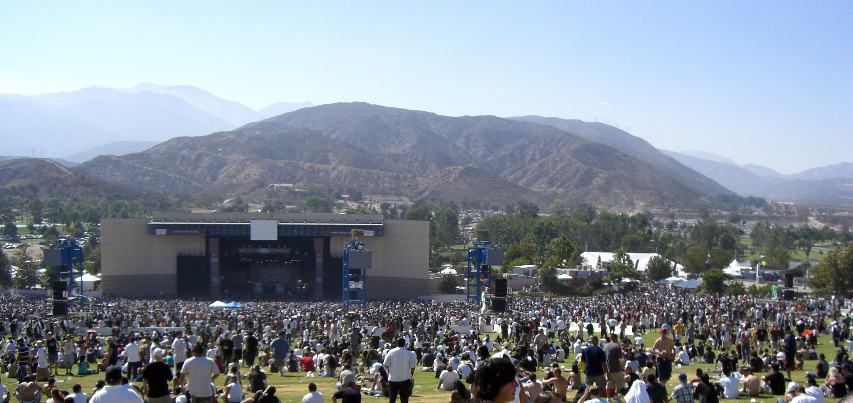 San Bernardino Toyota >> File:San Manuel Amphitheater.jpg