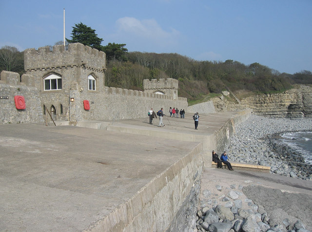 Sea Wall at St.Donat's Castle, Vale of Glamorgan. - geograph.org.uk - 386849