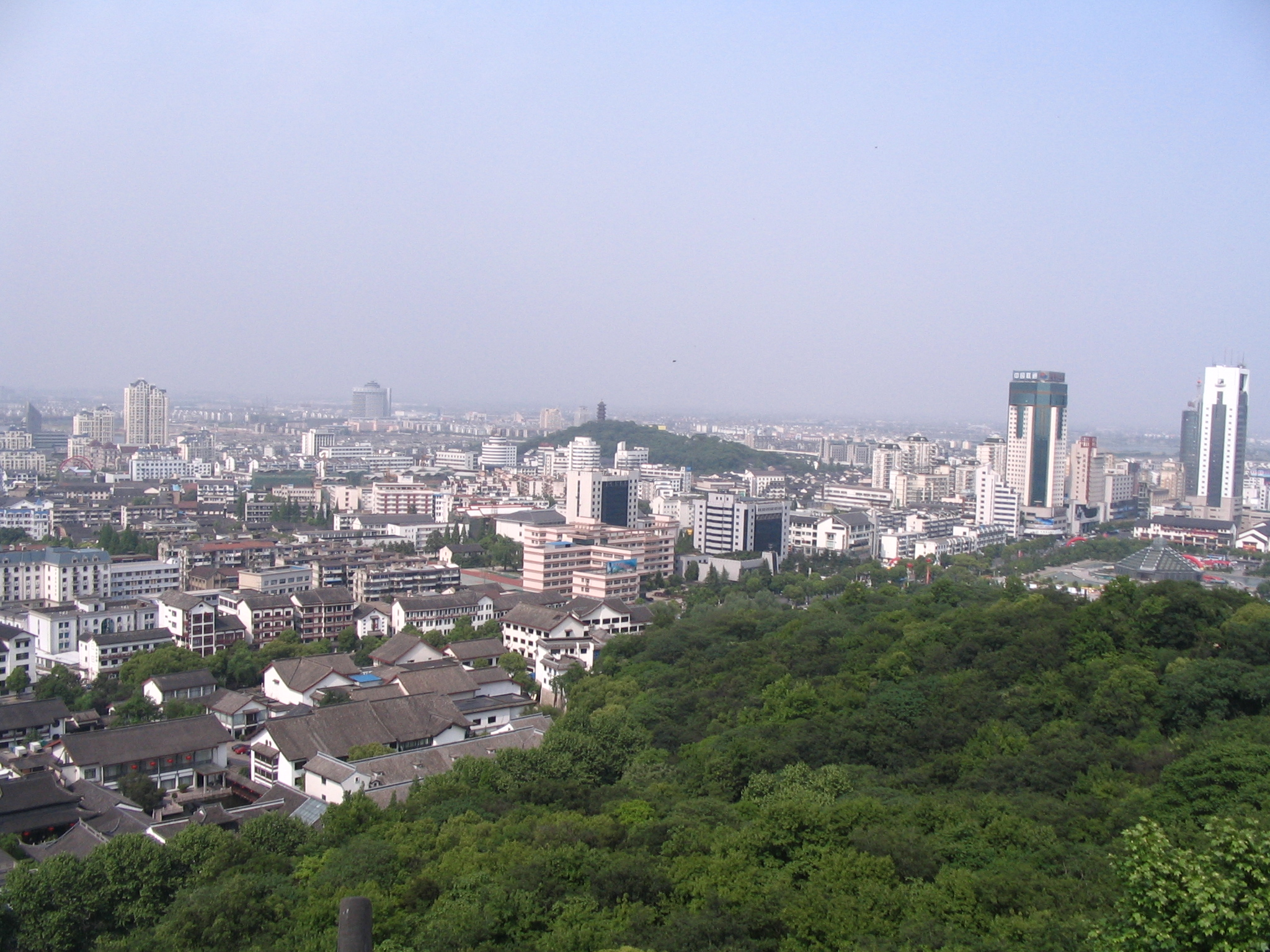 Lu Xun commemorates Baicao Garden the former residence site in 1881