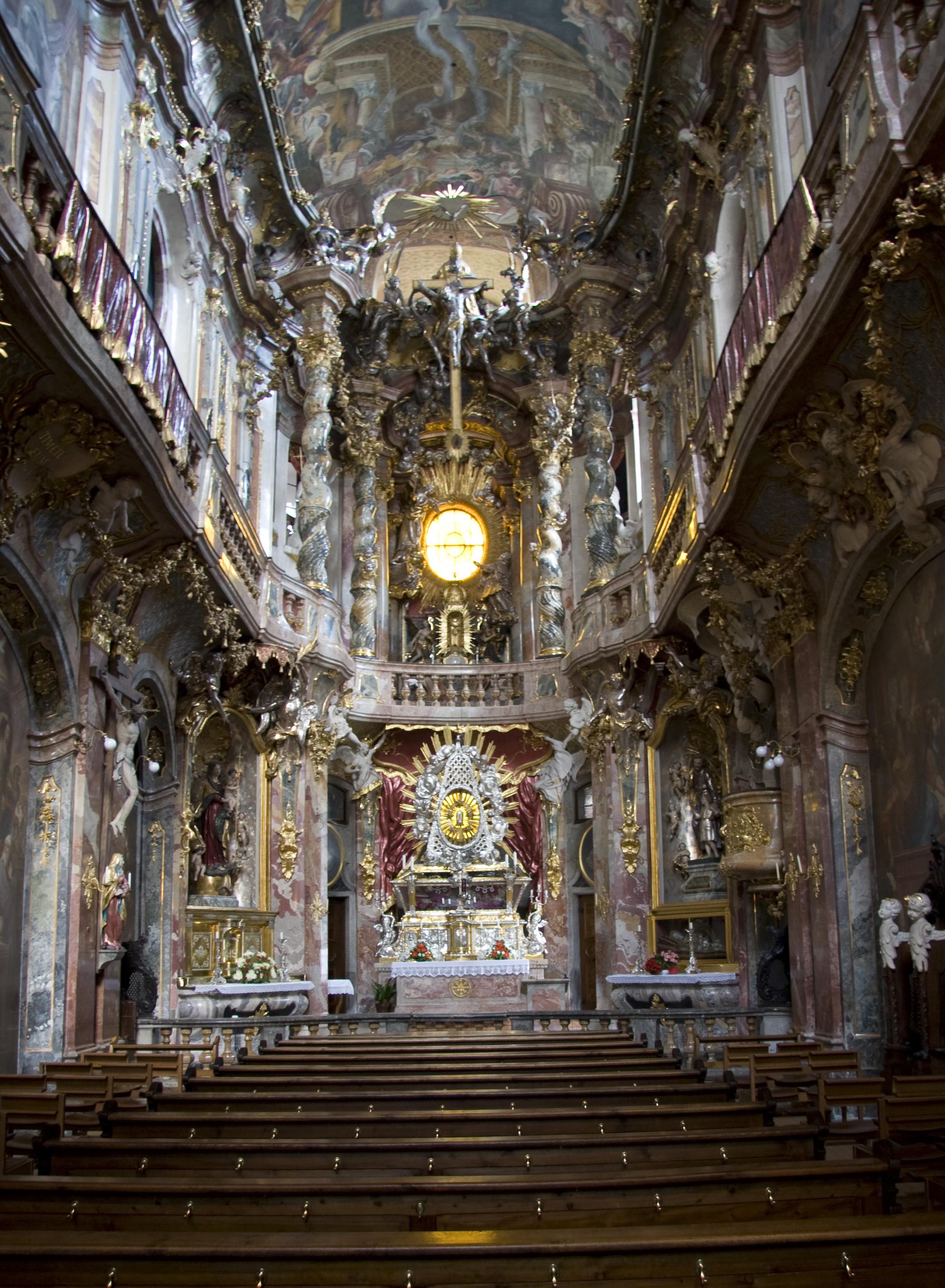 [Image: St._Johann_Nepomuk_-_Inside_(M%C3%BCnchen).jpg]