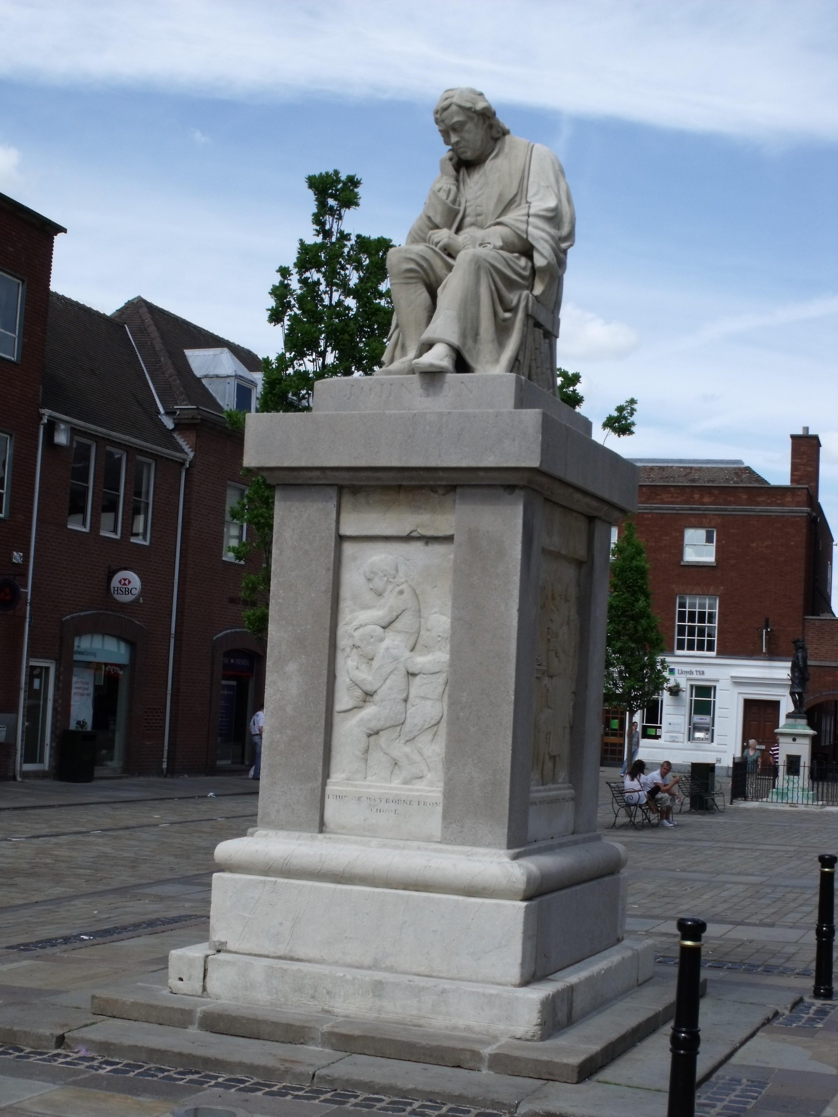 File:Statue of Dr Samuel Johnson in Lichfield Market Square