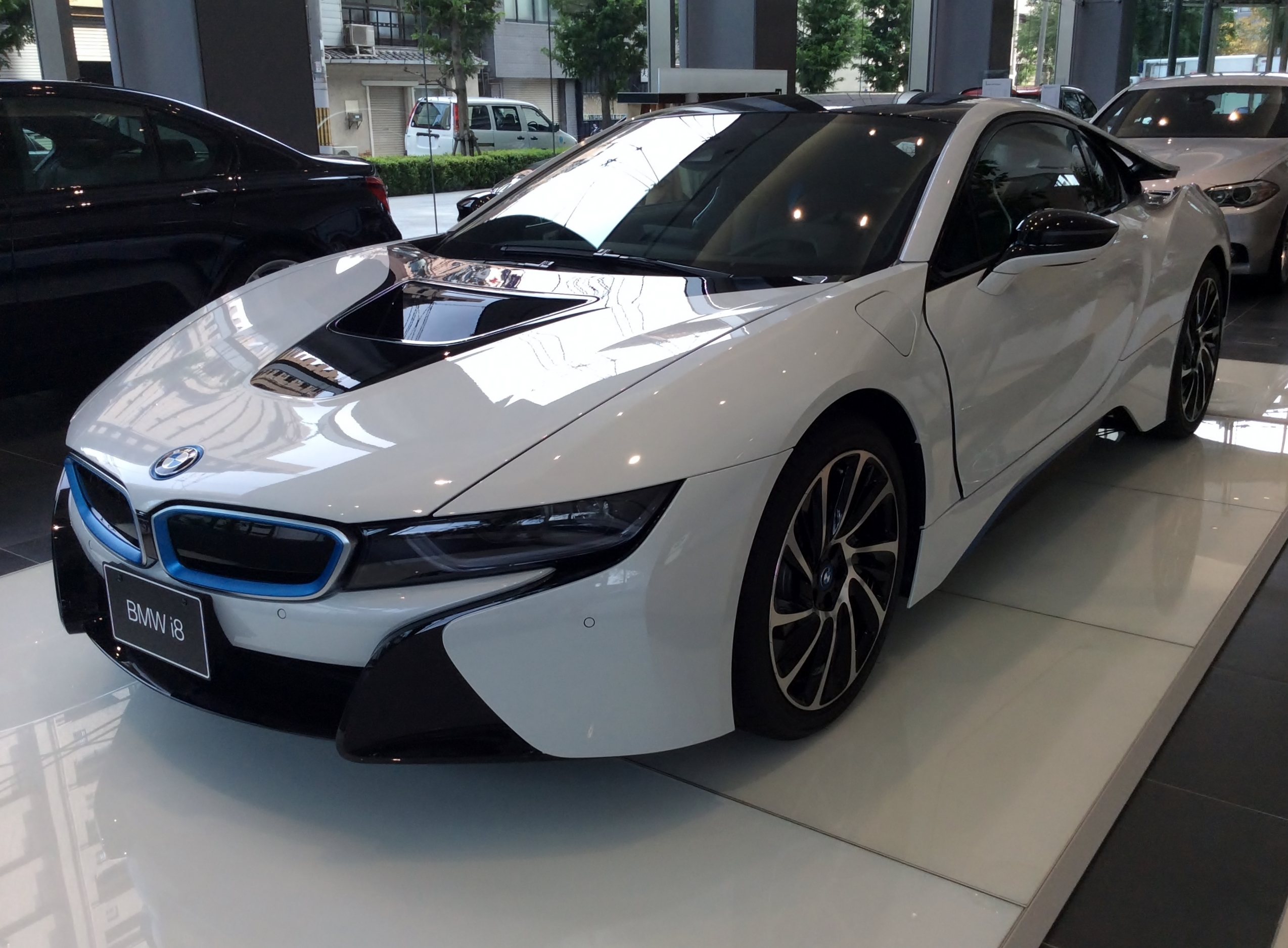 File The Frontview Of Bmw I8 Jpg Wikimedia Commons