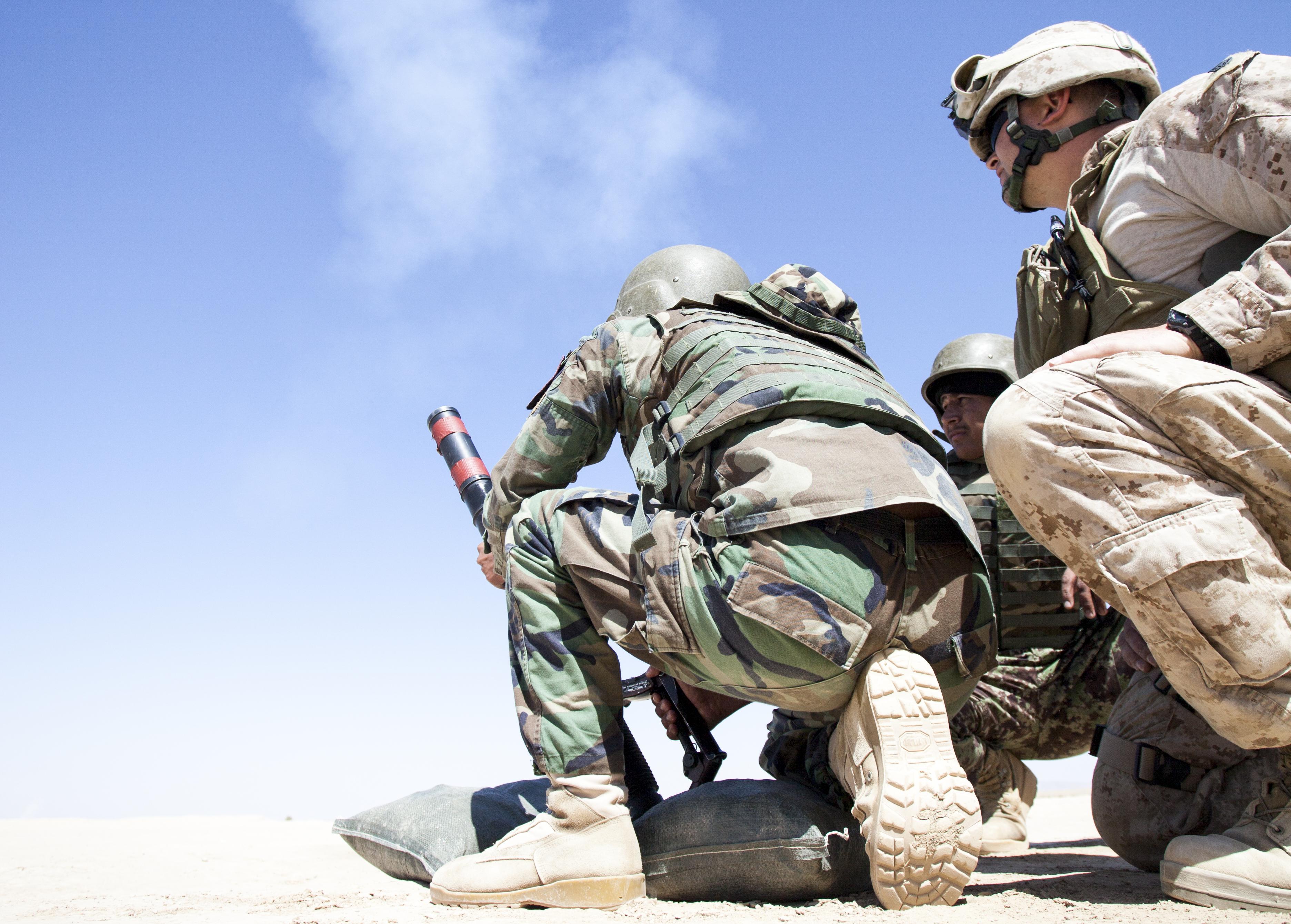file u s  marine corps staff sgt  steven wills  right