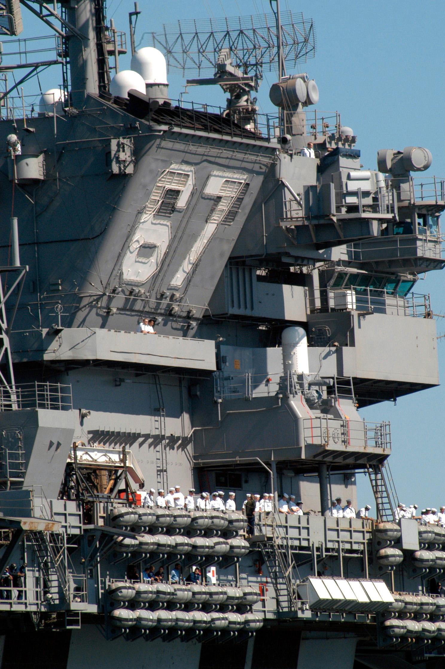 file uss john f kennedy cv 67 island outboard 2004 jpg wikimedia