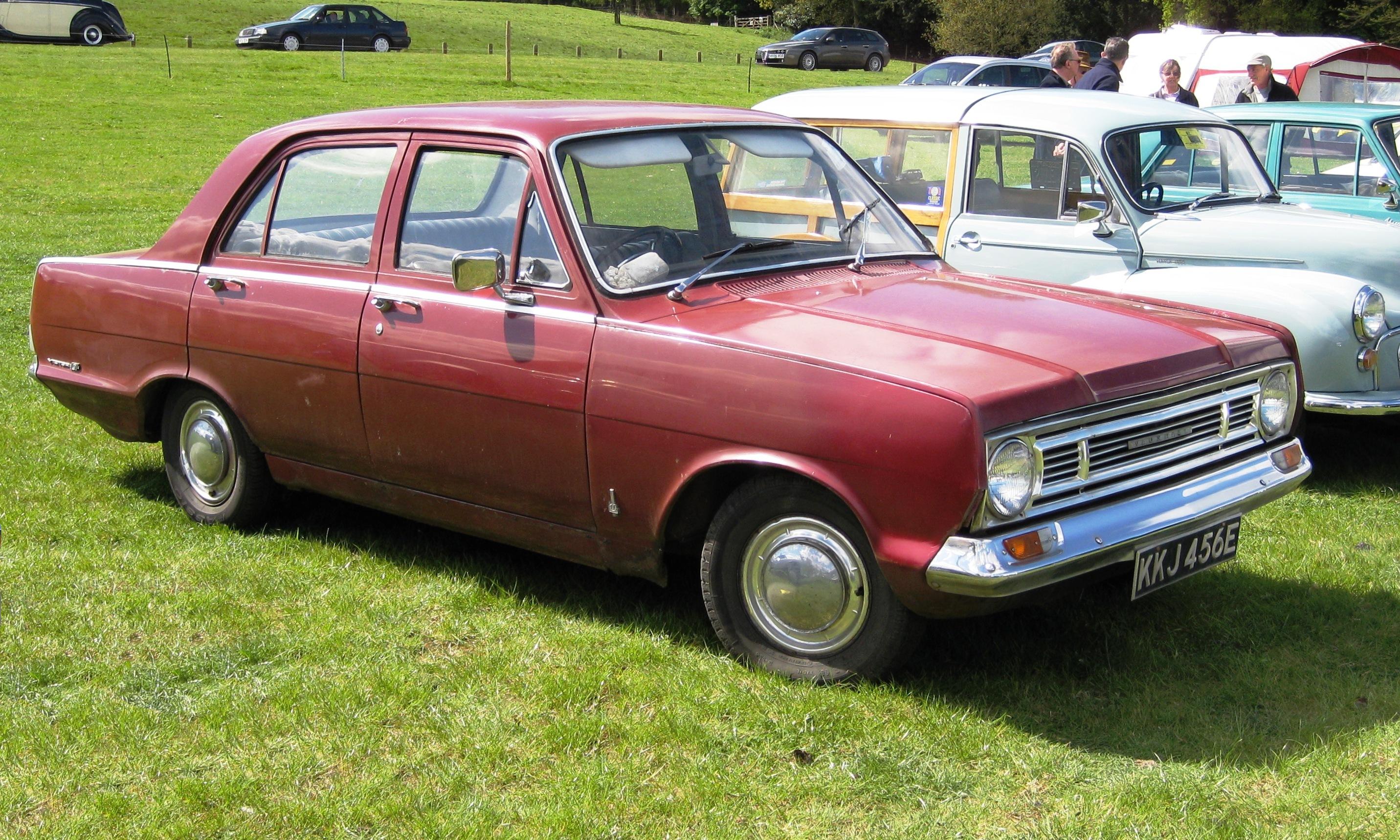 Vauxhall_Victor_101_FC_reg_May_1967_1594_cc.JPG