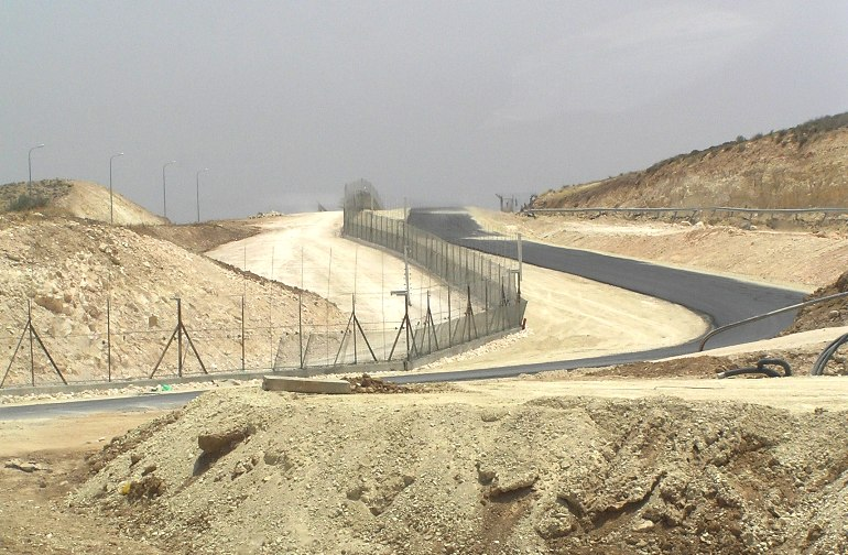 File:West Bank Fence South Hebron.JPG