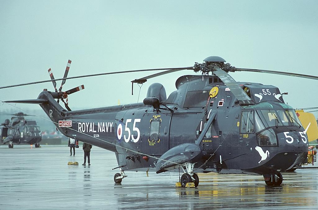 Westland_Sea_King_HAS2,_UK_-_Navy_AN1339