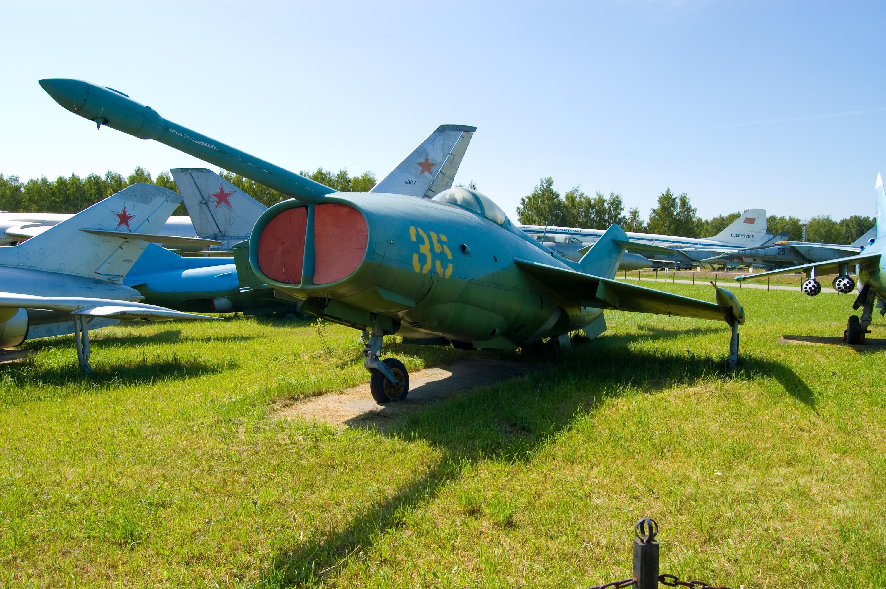 Description Yakovlev Yak-36 Freehand.jpg