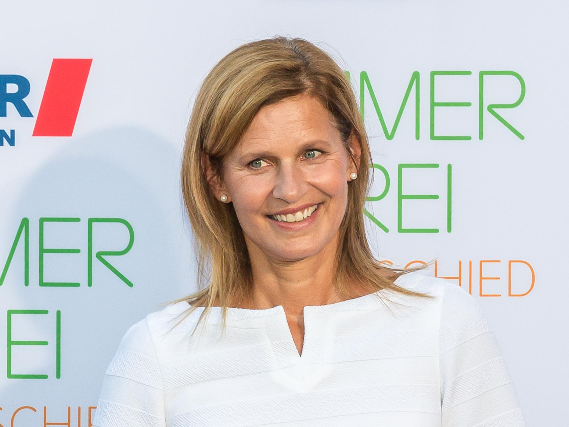 Katrin m ller hohenstein steckbrief promi for Zdf moderatorin schlaganfall