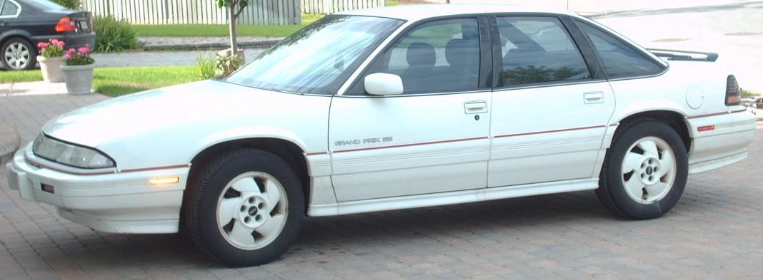 File:'90-'96 Pontiac Grand Prix Sedan.jpg - Wikipedia