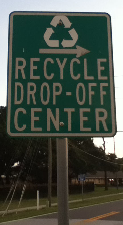 14 06 29 Recycle Location Sign Dunedin FL 01.jpg