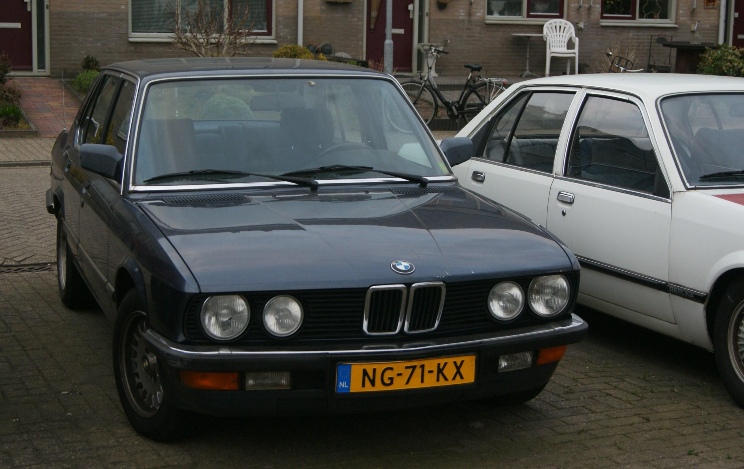 File BMW I Automatic Jpg Wikimedia Commons - 528i bmw price