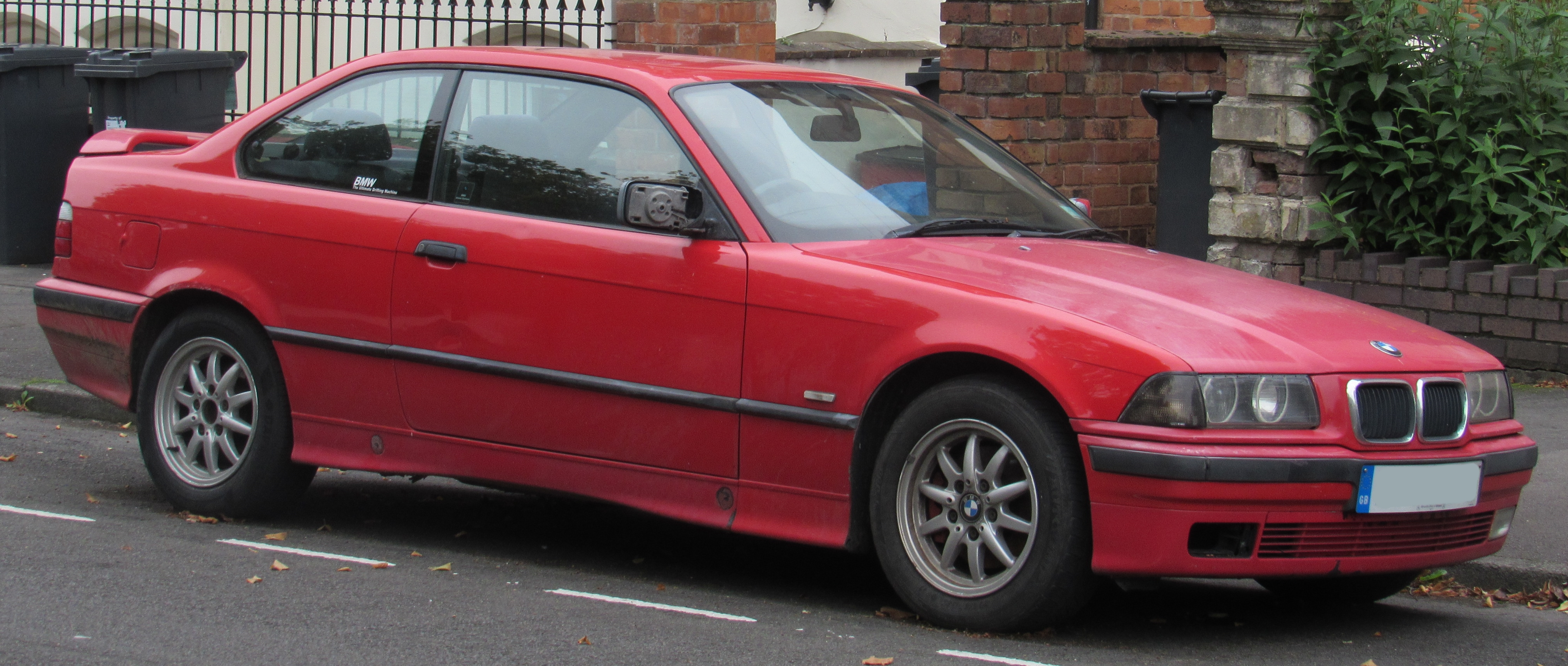File 1997 bmw 318is coupe 1 9 front jpg