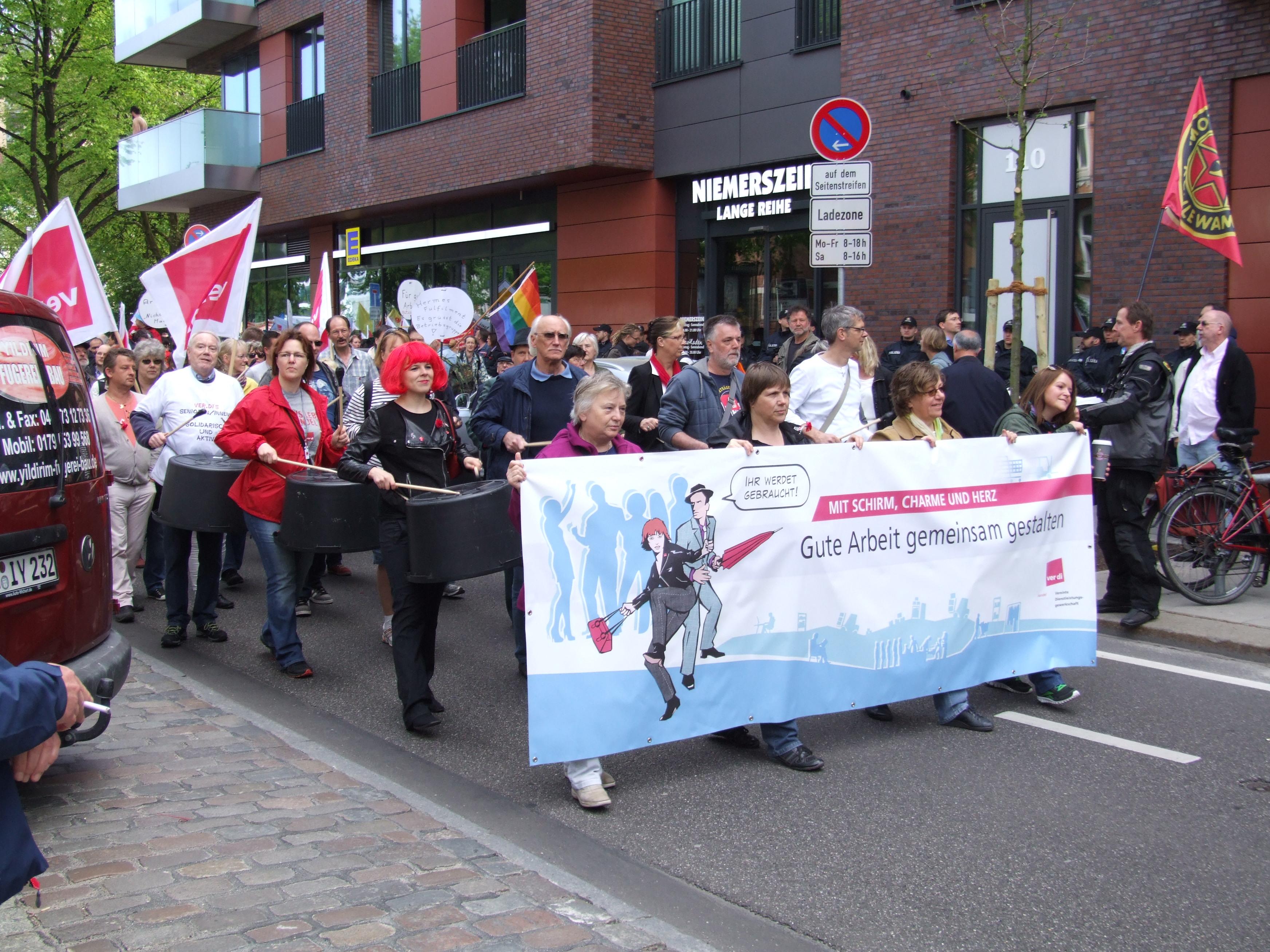 File:1 - Hamburg 1. Mai 2014 01.JPG - Wikimedia Commons