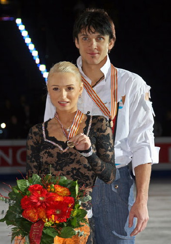 Maria Mukhortova and Maxim Trankov scored four World junior records during their junior career.