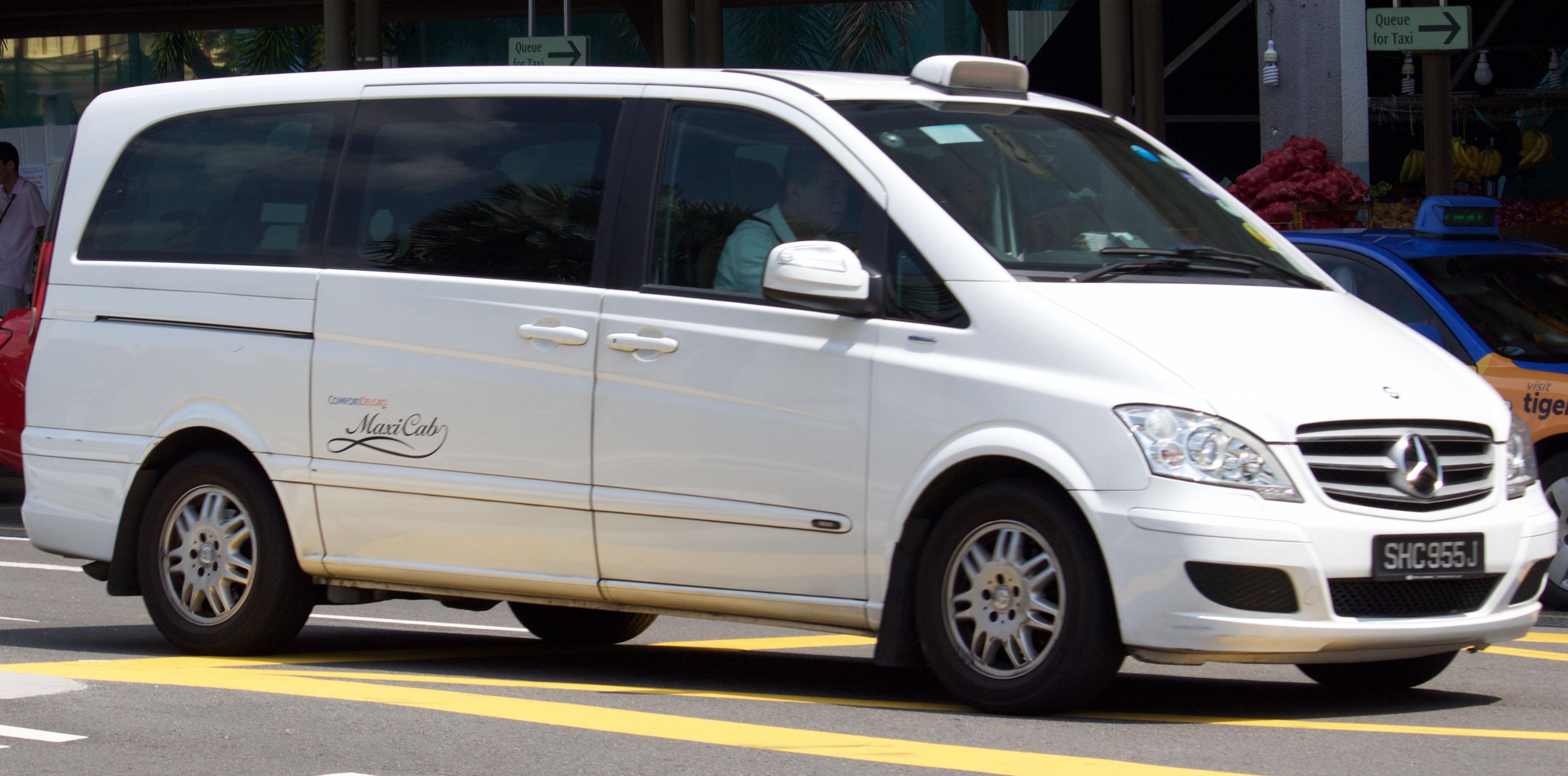 file 2013 mercedes benz viano v 639 2 2 cdi trend van comfortdelgro maxicab taxi 2016 01 06. Black Bedroom Furniture Sets. Home Design Ideas