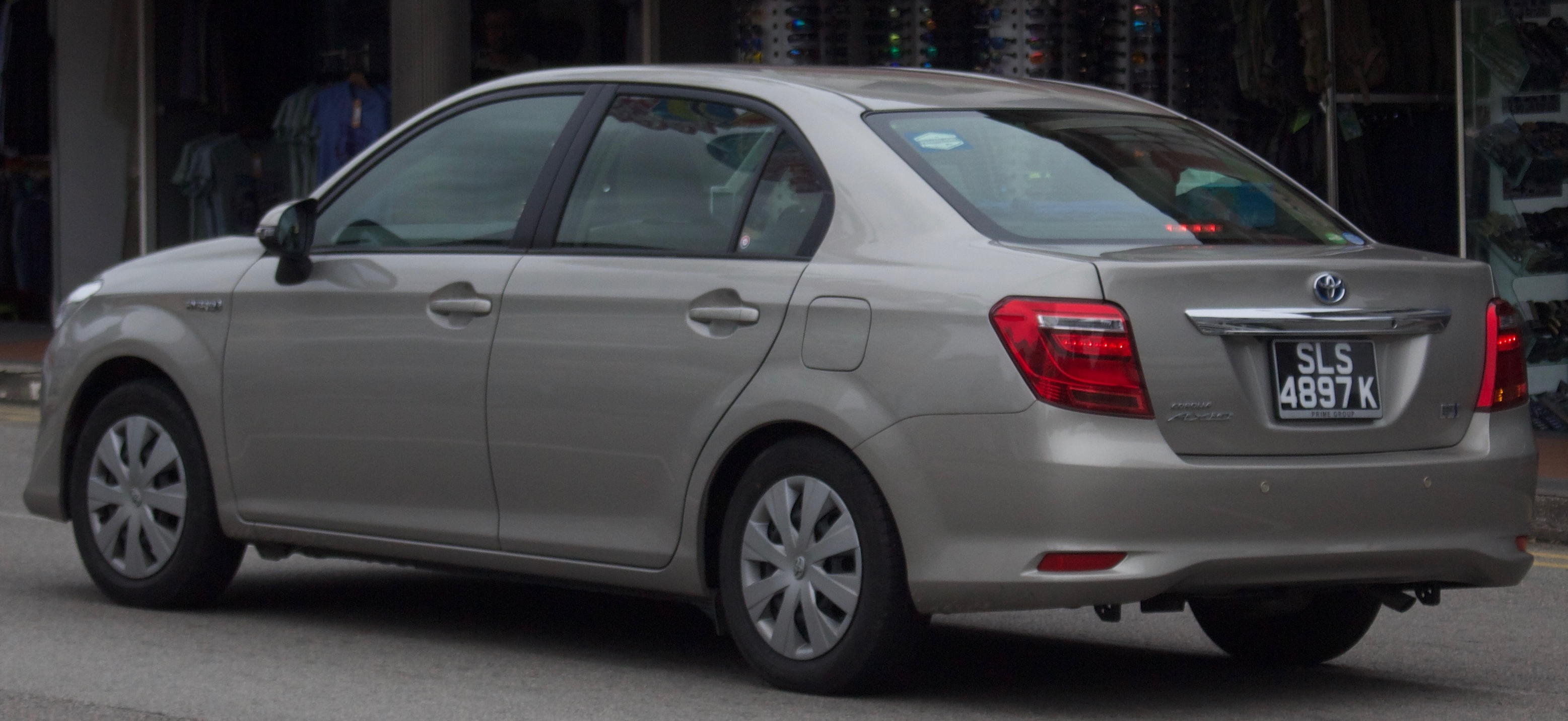 File:2016 Toyota Corolla Axio (NKE165) Hybrid sedan (2017-11