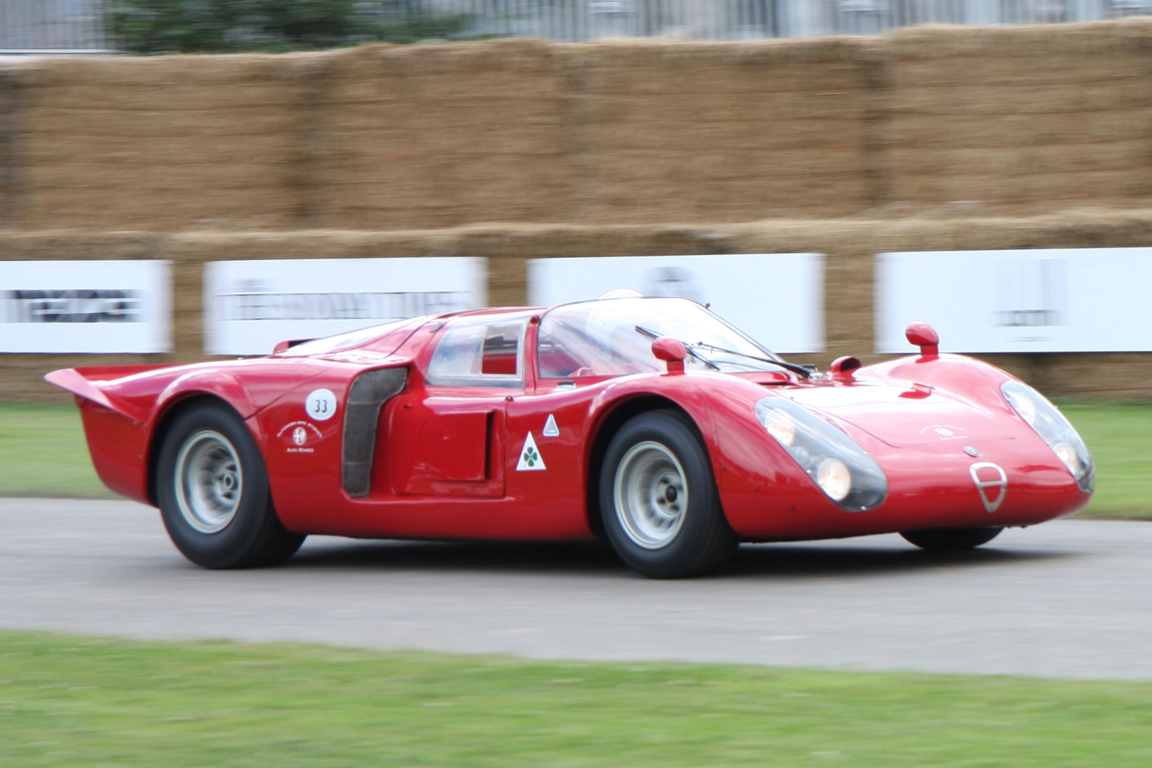 Alfa_Romeo_Tipo_33-2.jpg