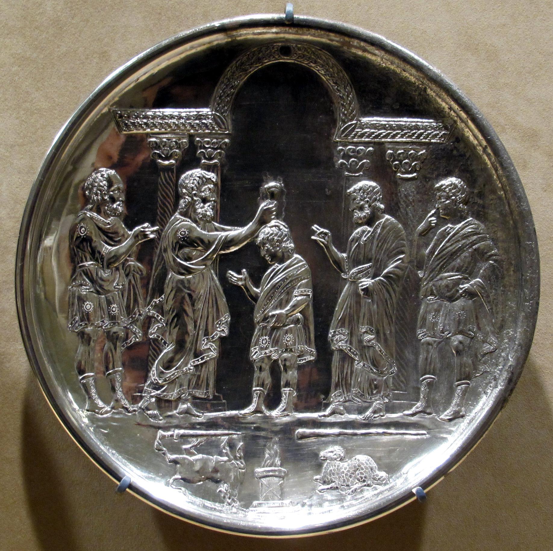 Arte costantinopolitana piatti in argento con storie for 2 negozio di storie con alloggi