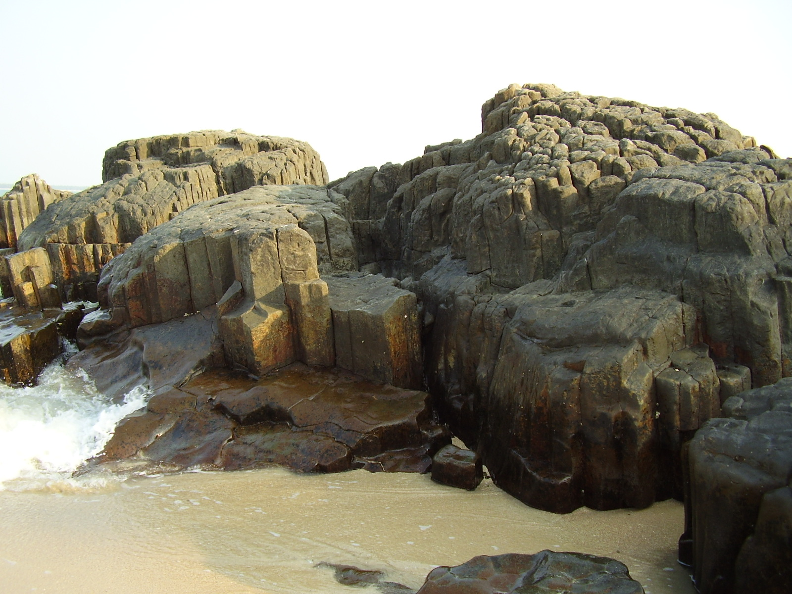 Description Of Basalt : File basaltic rock formation in st mary s island