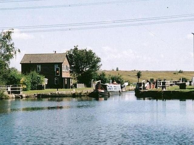 Birkwood Lock, nr. Stanley - geograph.org.uk - 499414